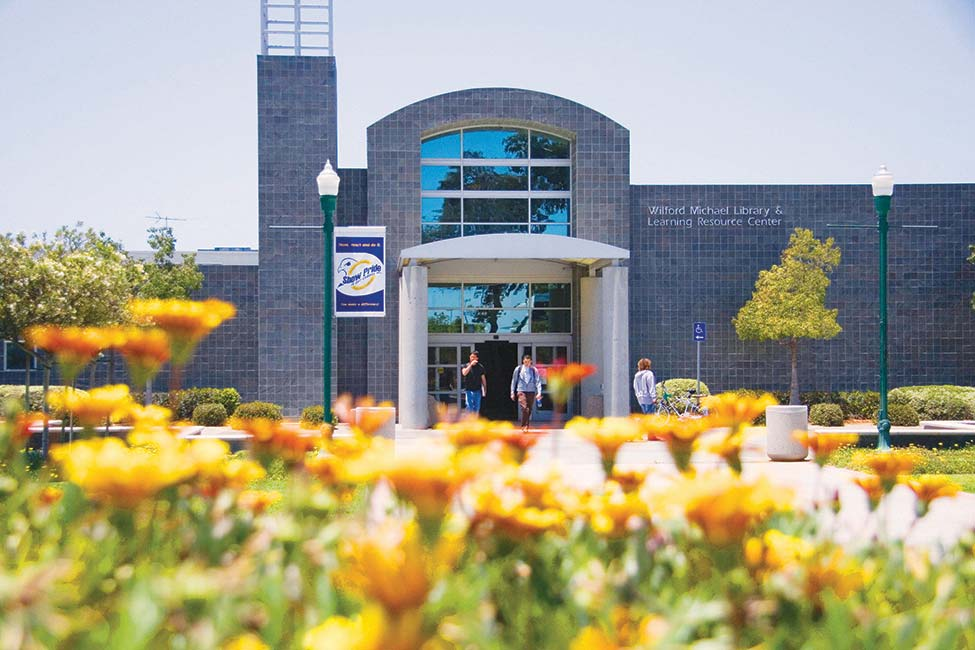 Cerritos College  main image