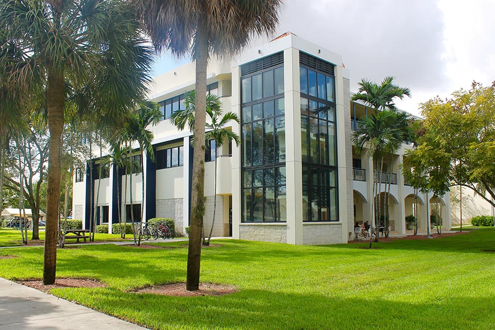 Florida International University ELI English Language Institute gallery image6